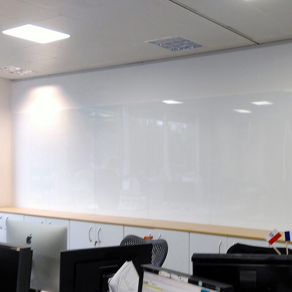 Frameless Magnetic Whiteboards With Hidden Rear Wall Fixings
